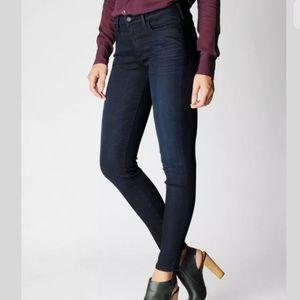 True Religion dark wash Halle skinny jeans 26